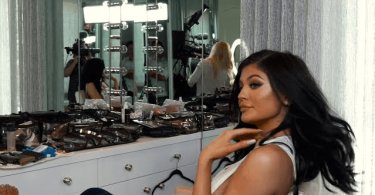 KYLIE JENNER GLAM LOOK INSPIRE MAKEUP
