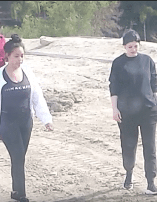 Kylie Jenner Finally Shows Her baby bump Pic And Video